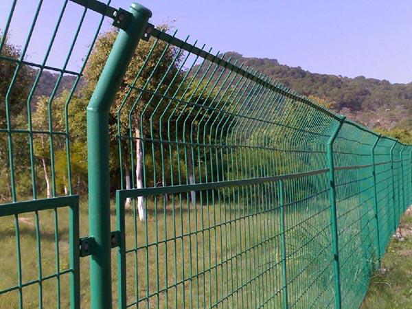 焊接网隔离栅.jpg