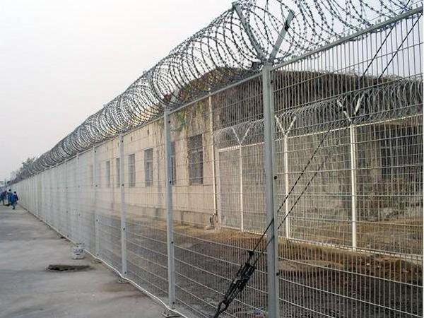 监狱隔离栅2.jpg
