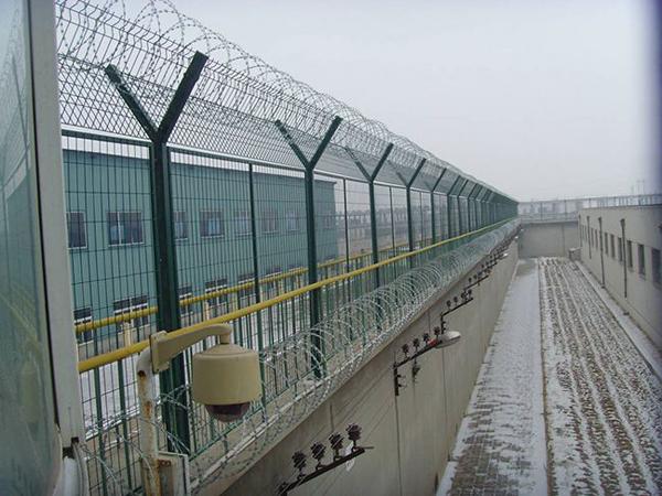 监狱隔离栅.jpg