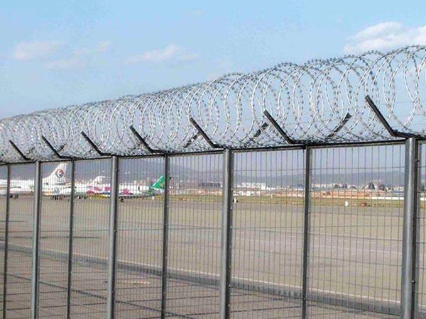 机场隔离栅.jpg